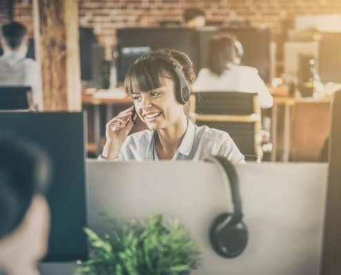 differences service desk helpdesk esm